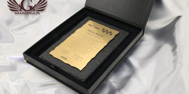 Dyplom z kamienia w etui